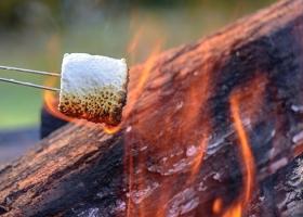 850x450-Glamping-marshmallow