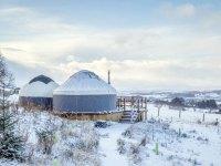 Yurt-Bramble-snow-1200x800px